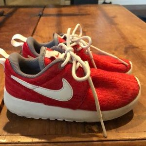 Little kids Nike shoes red size 9c